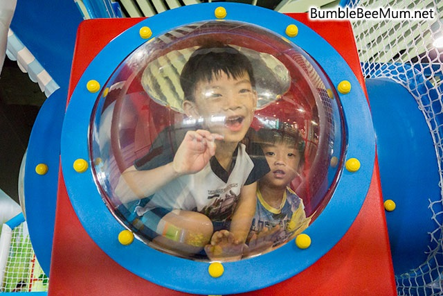 explorer-kid-downtown-east-indoor-playground-blog-review-11